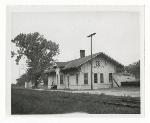 Atchison, Topeka & Santa Fe Railway Company depot, Gridley, Kansas - Page