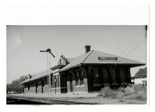 Atchison, Topeka & Santa Fe Railway Company depot, Ellinwood, Kansas - Page