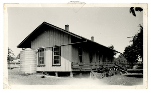 Atchison, Topeka & Santa Fe Railway Company's section house, Zephyr, Texas - Page