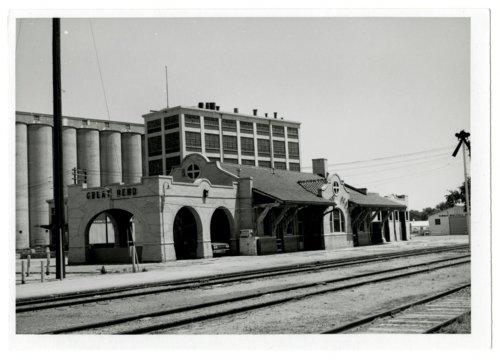 Atchison, Topeka and Santa Fe Railway Company depot, Great Bend, Kansas - Page