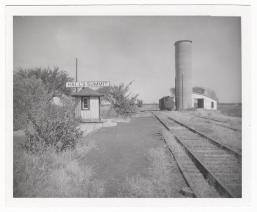 Atchison, Topeka and Santa Fe Railway Company shed depot, Hall's Summit, Kansas - Page