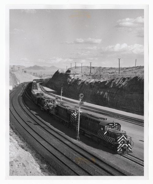 Atchison, Topeka & Santa Fe Railway Company switch engines, Barstow, California - Page