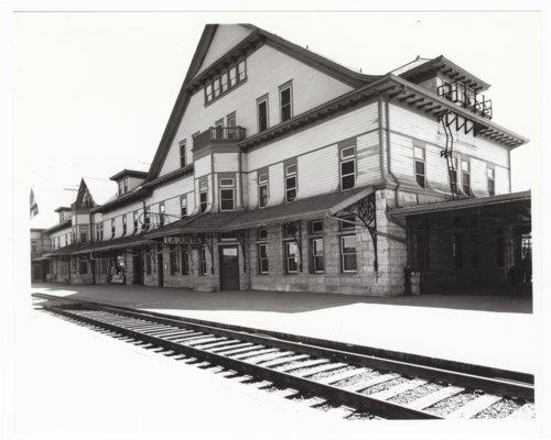Atchison, Topeka and Santa Fe Railway Company depot, Fred Harvey House, and El Otero Hotel, La Junta, Colorado - Page