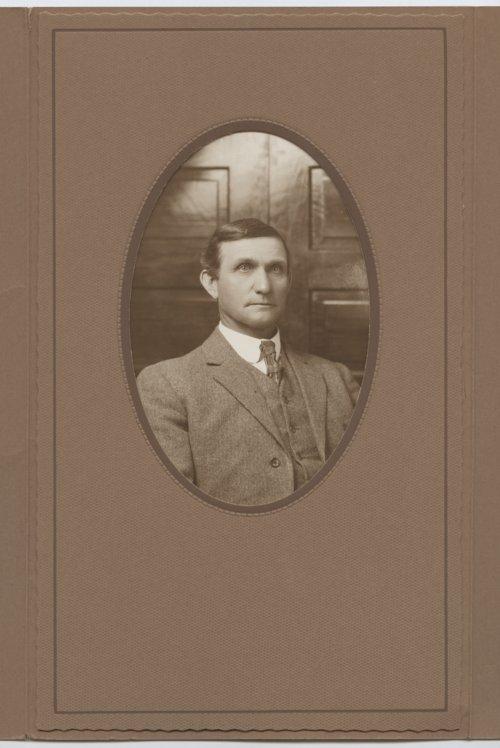 Henley Ellsworth Hedge - Page