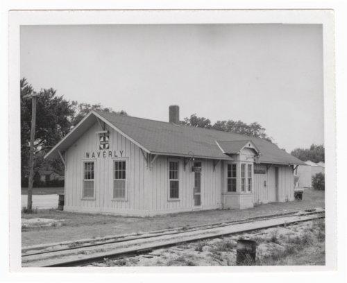 Atchison, Topeka and Santa Fe Railway Company depot, Waverly, Kansas - Page