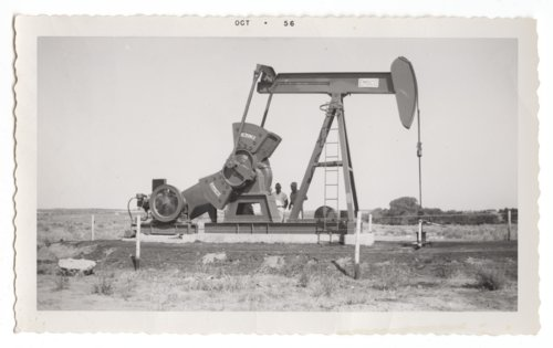 Mahan-Tarr oil well and tanks in Barber County, Kansas - Page