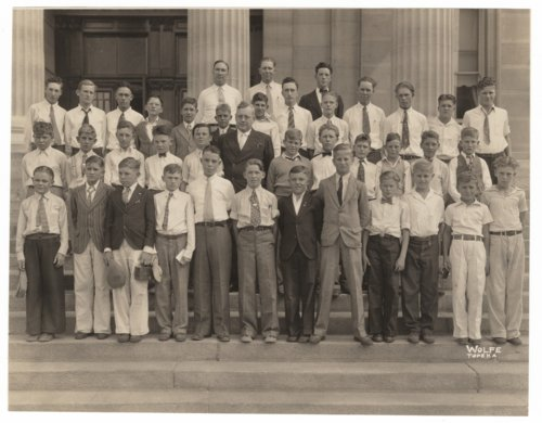 Syracuse, Kansas, Rotary Club boys' trip to Topeka, Kansas. - Page
