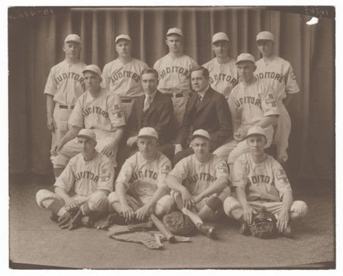 Santa Fe Auditors baseball team in Topeka, Kansas - Page