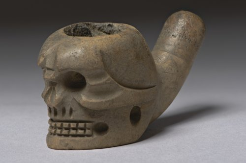 Skull Pipe - Page