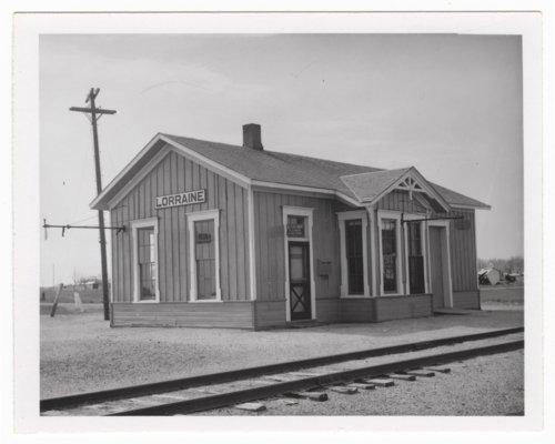 Atchison, Topeka and Santa Fe Railway Company depot, Lorraine, Kansas - Page