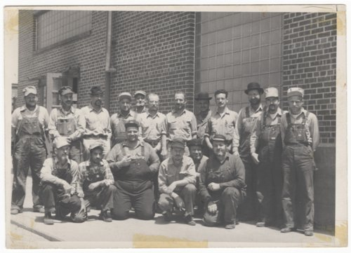 Atchison, Topeka & Santa Fe Railway workers at the shops in Topeka, Kansas - Page