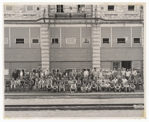 Atchison, Topeka & Santa Fe Railway shop workers in Topeka, Kansas - Page