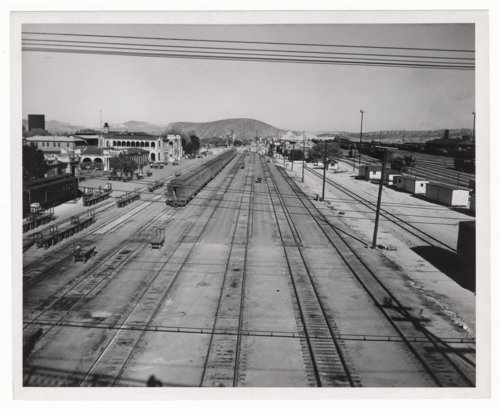 Atchison, Topeka & Santa Fe Railway Company yards, Barstow, California - Page