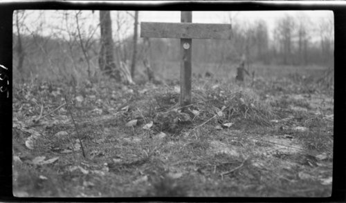 Nevrilly - American grave - Hunter?, France - Page