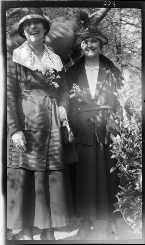 Louise de Mayer & Lucienne Bois de la Cambre, Bois=wood, timbre; cambre= arch, curve; Belgium, negat - Page