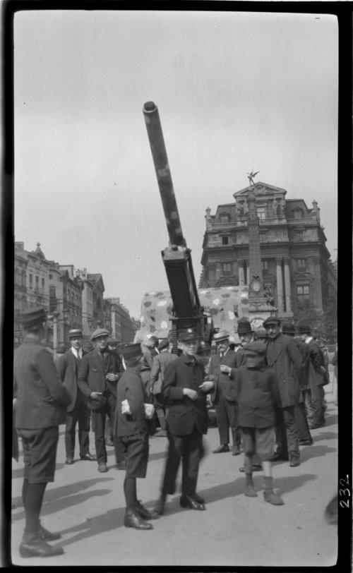 Place de Brouckers; German 150mm long, Bruxelles, Belgium gun - Page