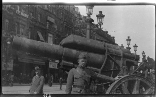 Place de Brouckers; German 150mm short, Bruxelles, Belgium gun - Page