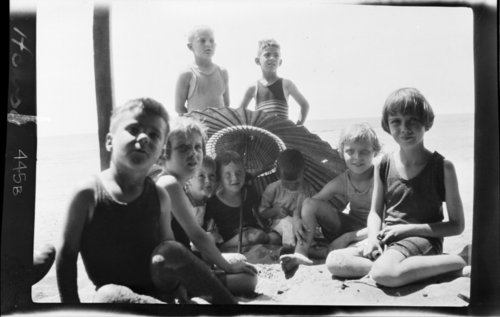 13th F. A. - Kids @ beach, Hawaii - Page