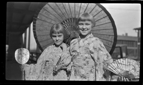 Peg & Betty in Japanese Costumes - Page