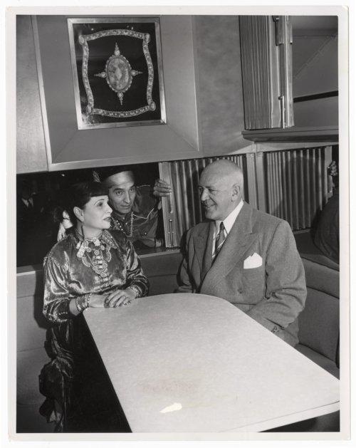 Atchison, Topeka & Santa Fe Railway Company's Turquoise Room - Page