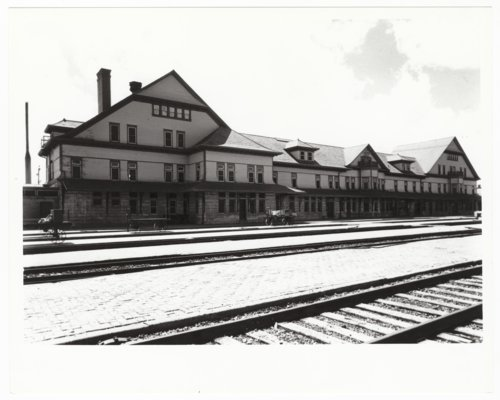Atchison, Topeka and Santa Fe Railway Company depot, Fred Harvey House, and El Otero Hotel, La Junta, Colorado - Page
