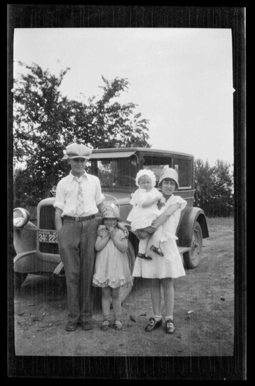 John C. and Mary B. Vondemkamp Fienhage's children - Page