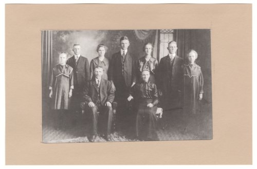 Joe and Josephine Vondemkampe's family - Page