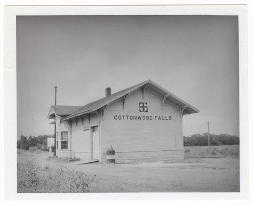 Atchison, Topeka and Santa Fe Railway Company depot, Cottonwood Falls, Kansas - Page
