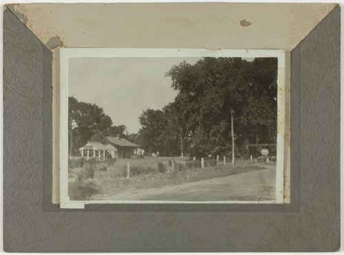 Tourist cabins in Council Grove, Kansas - Page