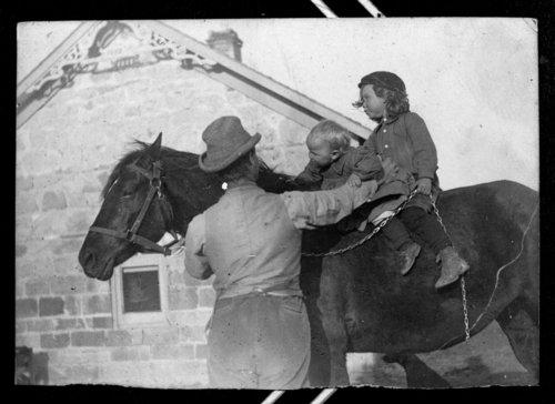 Children at the John Fenton Pratt home, Studley, Sheridan County, Kansas - Page