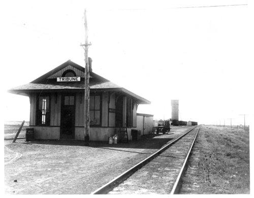 Missouri Pacific Railroad depot, Tribune, Kansas - Page
