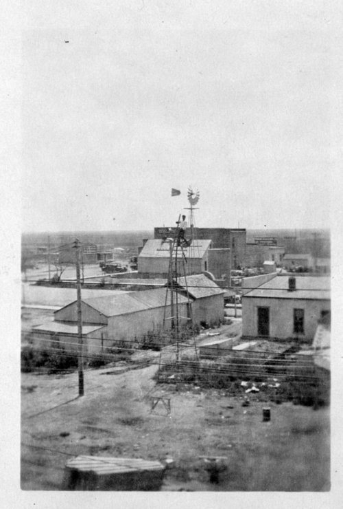 Birds-eye view of Tribune, Greeley County, Kansas - Page