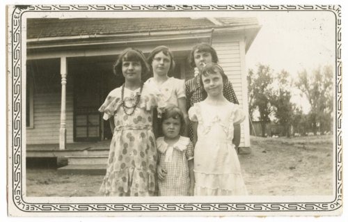 Leo and Agnes Henry's daughters - Page