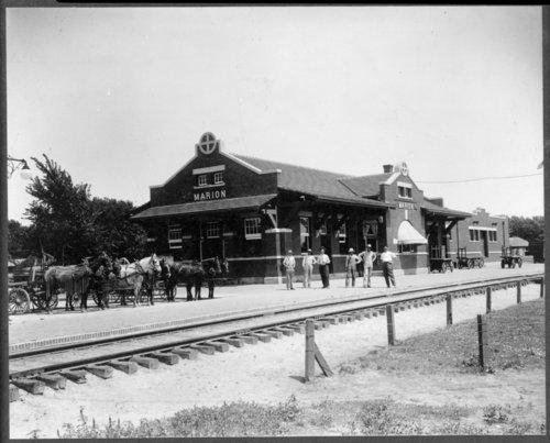Atchison, Topeka and Santa Fe Railway Company depot, Marion, Kansas - Page