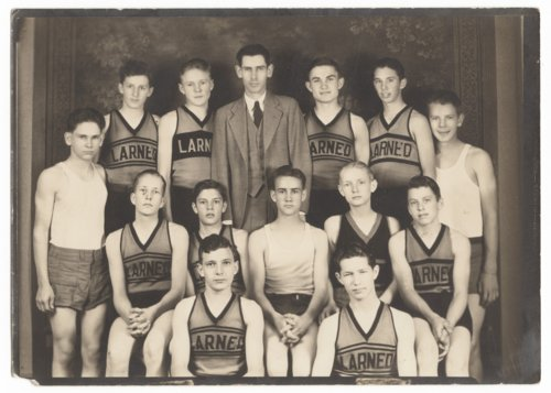 Larned High School basketball team in Larned, Kansas - Page