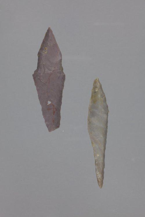 Alternately Beveled Knives from the Pratt/Wing Site, 14PT1 - Page