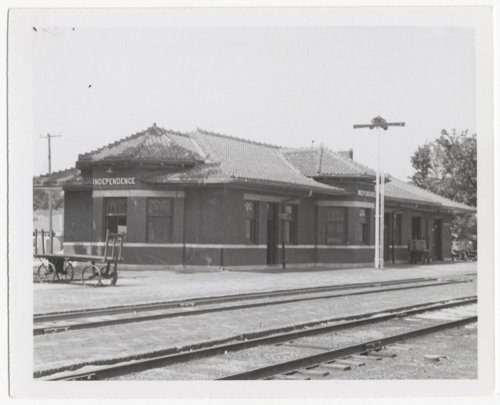 Atchison, Topeka & Santa Fe Railway Company depot, Independence, Kansas - Page