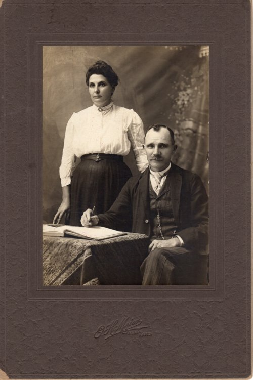 Studio portrait of Louis and Emma Palenske - Page