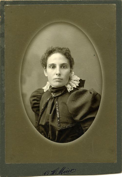 Studio portrait of Emma Palenske - Page