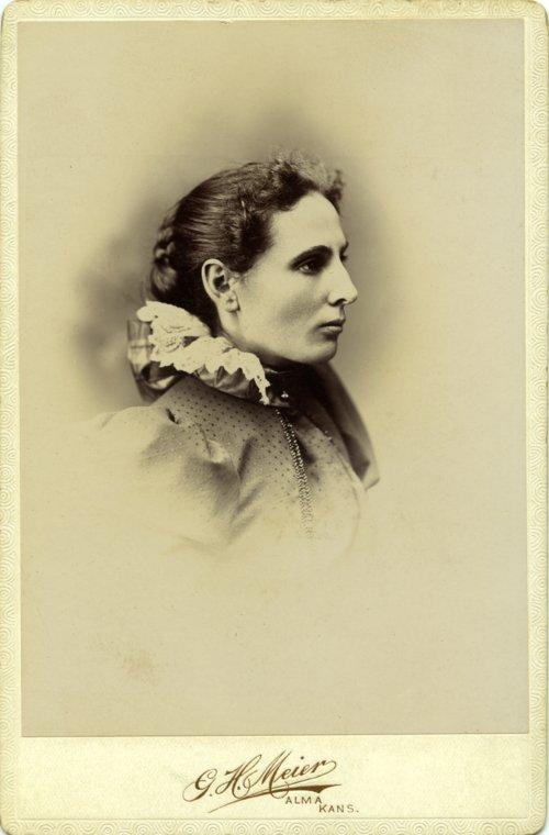 Studio portrait of Emma Palenske - Page