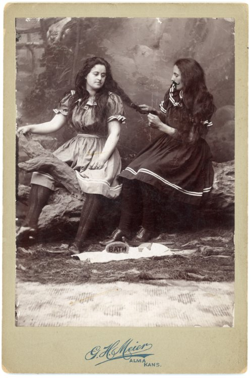Photo of Emma Palenske and Minnie Thoes - Page