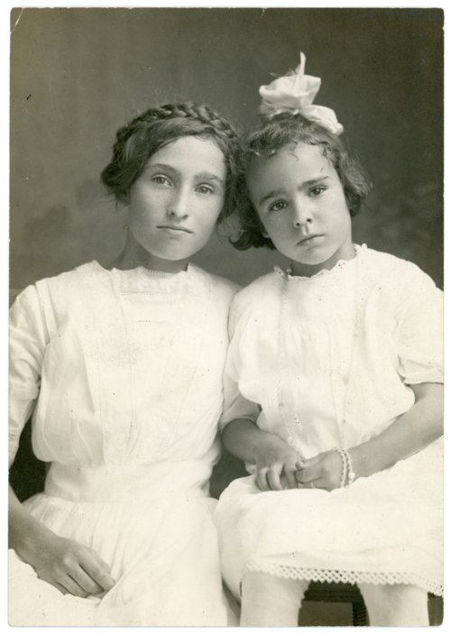 Studio portrait, Laura and Florence Palenske - Page
