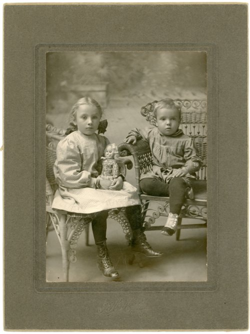 Studio portrait of Victor and Laura Palenske - Page