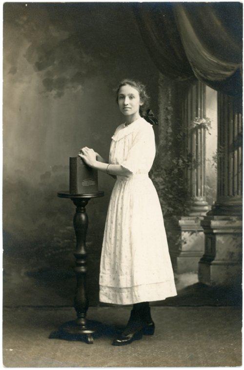 Studio portrait of Laura Palenske - Page