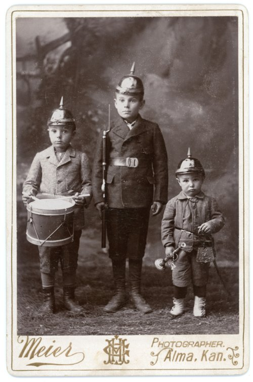 Cabinet card of Max, Fred and Arnold Palenske - Page