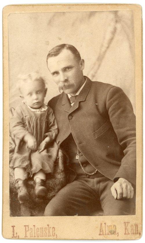 Studio portrait of Louis and Minnie Palenske - Page