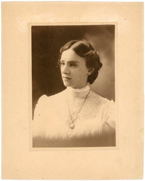 Studio portrait of Minnie Palenske Zwanziger - Page