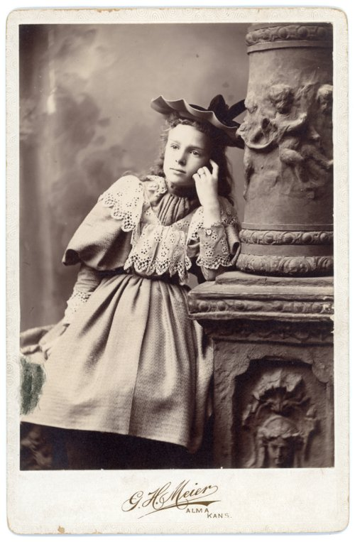 Cabinet card, Minnie Palenske - Page