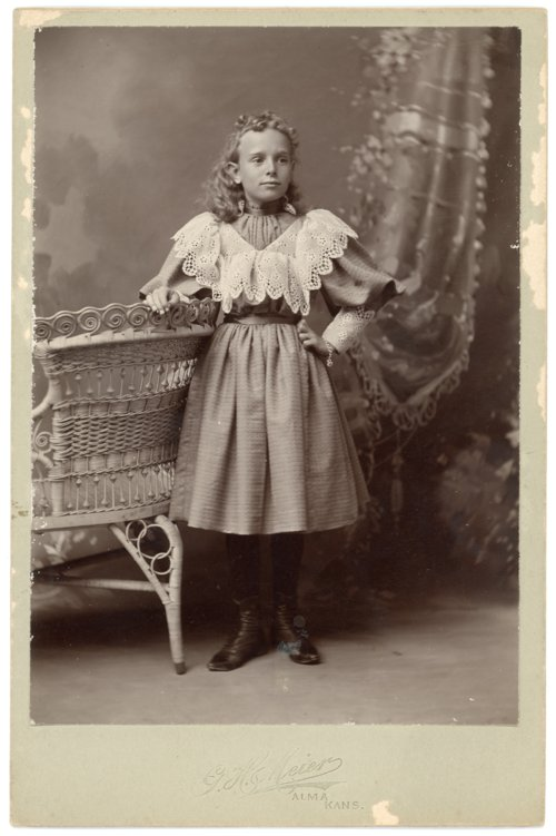 Cabinet card, Minnie Palenske - Page