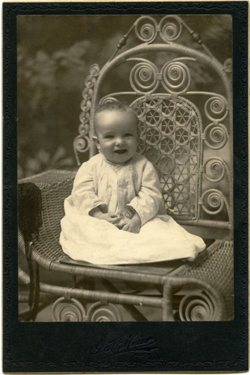 Cabinet card of Victor Palenske - Page